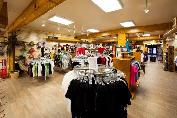 Boutique & Store - Pirate Cove Resort